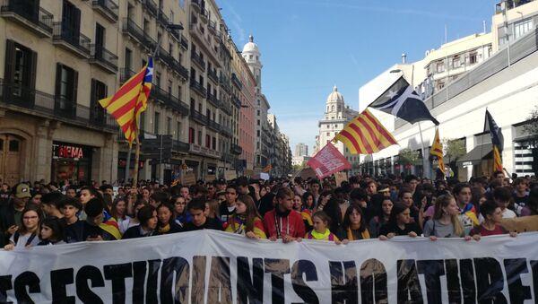 Circa 25 mila studenti hanno preso parte alle manifestazioni di protesta a Barcellona - Sputnik Italia