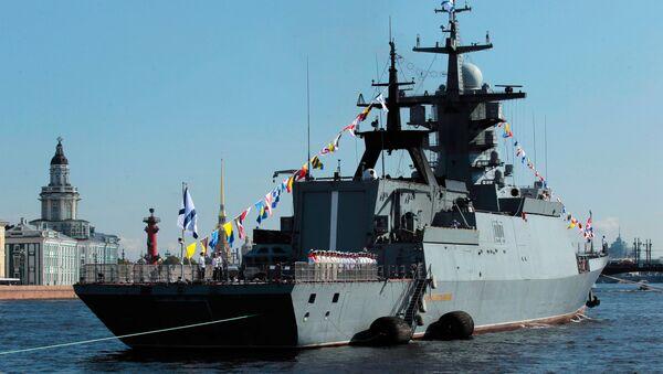 Корвет Сообразительный на репетиции парада к Дню Военно-морского флота в Санкт-Петербурге - Sputnik Italia