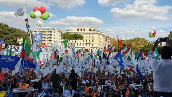 La manifestazione Orgoglio Italiano in piazza San Giovanni a Roma - Sputnik Italia