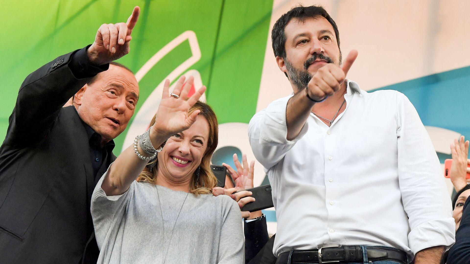 Silvio Berlusconi, Giorgia Meloni e Matteo Salvini - Sputnik Italia, 1920, 20.08.2021