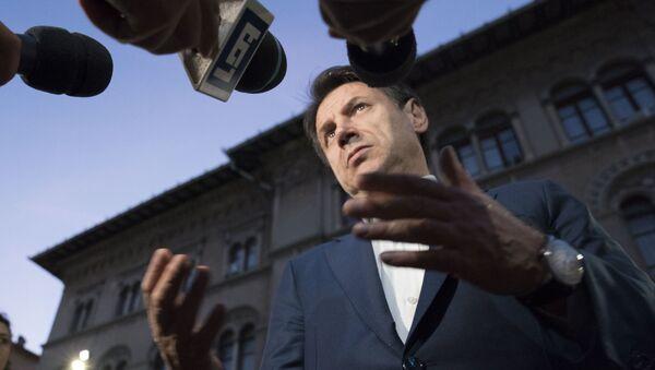 Il premier Conte durante il punto stampa del 19 ottobre a Perugia - Sputnik Italia