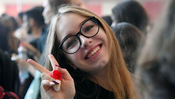 Una studentessa dell' Università MGIMO di Mosca - Sputnik Italia