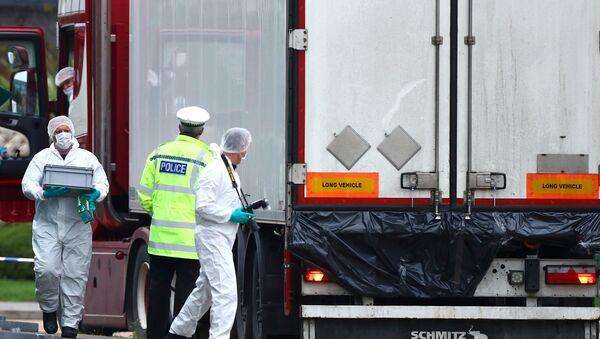 Camion con 39 cadaveri ad Essex - Sputnik Italia