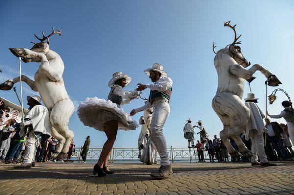I partecipanti al Festival Internazionale di Cultura Contemporanea ed Ecologia 'Alushta.Green', Alushta, Crimea - Sputnik Italia