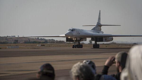 Bombardiere Tu-160 - Sputnik Italia