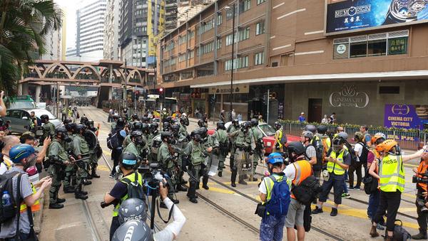 Polizia di Hong Kong in azione - Sputnik Italia