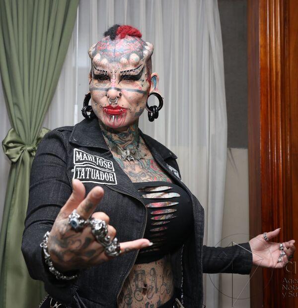 L'imprenditrice, avvocato e tatuatrice messicana María José Cristerna Méndez, conosciuta anche come La donna vampiro - Sputnik Italia