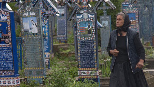 Веселое кладбище в селе Сэпынца, Румыния - Sputnik Italia