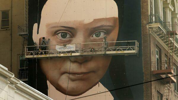 Un murale dedicato a Gretha Thunberg a San Francisco - Sputnik Italia