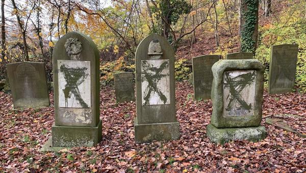 Cimitero ebraico profanato in Danimarca - Sputnik Italia
