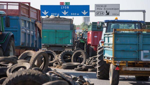 Protesta degli agricoltori in Francia - Sputnik Italia