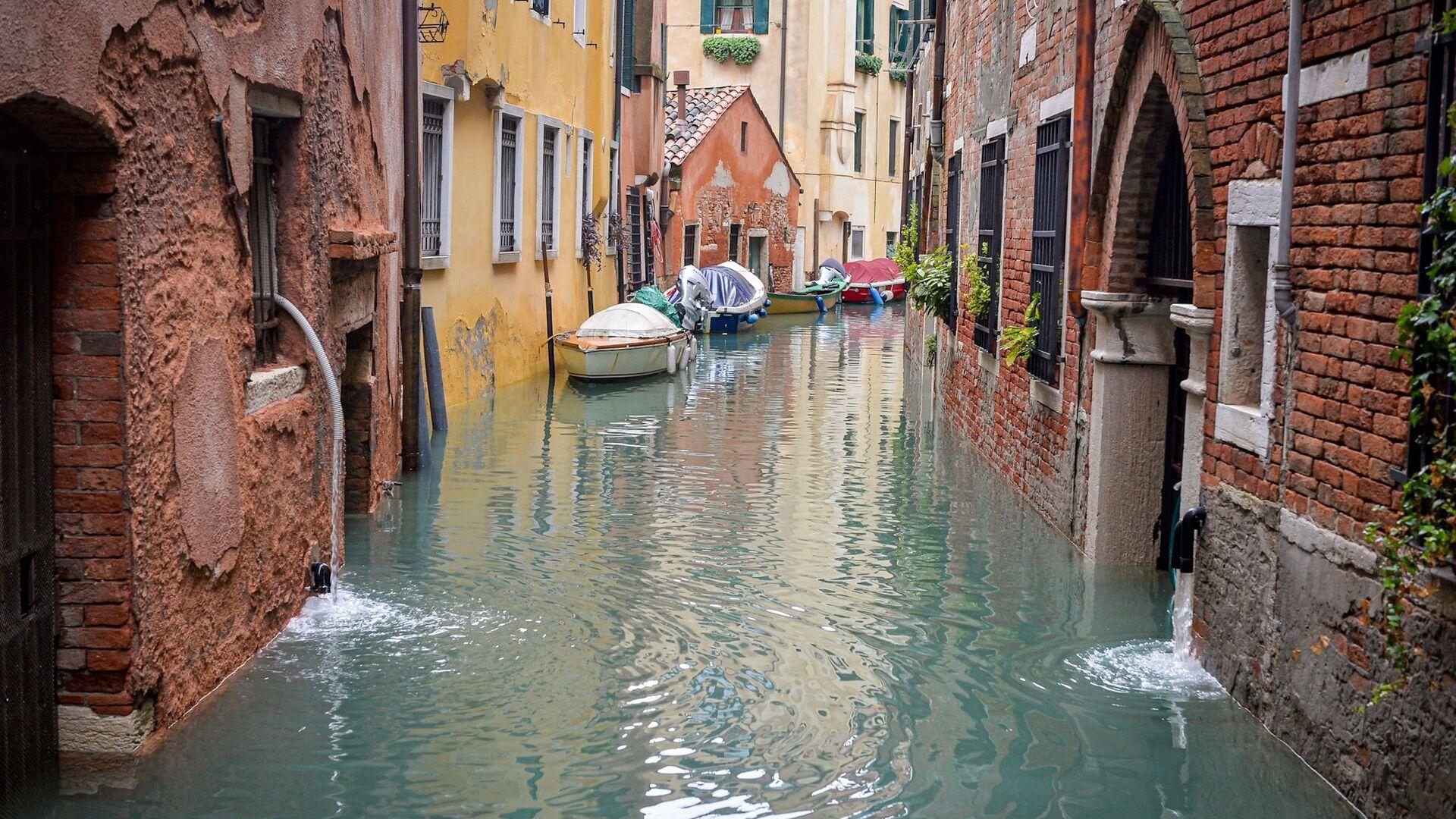 Alluvione a Venezia - Sputnik Italia, 1920, 31.07.2021