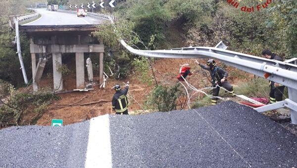 Liguria, crollata porzione di viadotto A6 nel savonese - Sputnik Italia