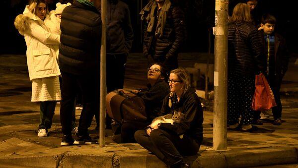 Residenti di Tirana, Albania, dopo il terremoto (26.11.2019) - Sputnik Italia