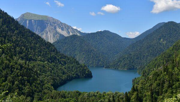 Il lago Ritsa in Abcasia - Sputnik Italia