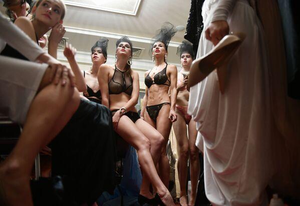 Modelle alla Crimean Fashion Week a Yalta, Russia. - Sputnik Italia