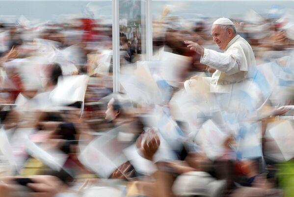 Papa Francesco in visita a Nagasaki, in Giappone. - Sputnik Italia