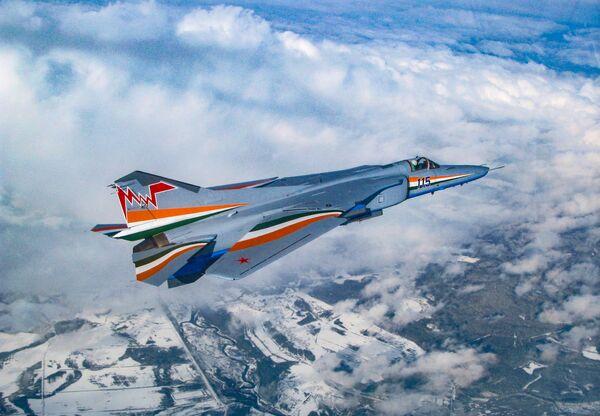 Il cacciabombardiere russo MiG-27M  - Sputnik Italia