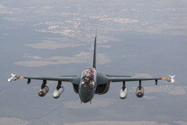 Lo Yak-130 è un addestratore avanzato biposto di quarta generazione - Sputnik Italia