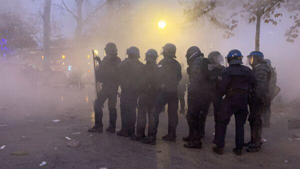 Lo sciopero contro riforma delle pensioni a Parigi - Sputnik Italia