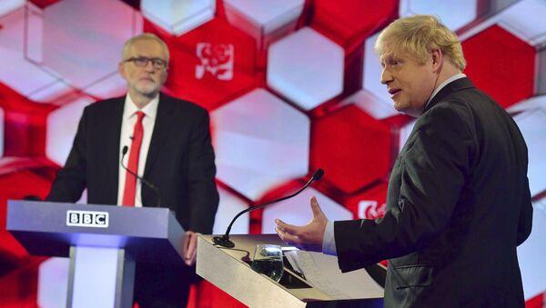 Boris Johnson Jeremy Corbyn - Sputnik Italia