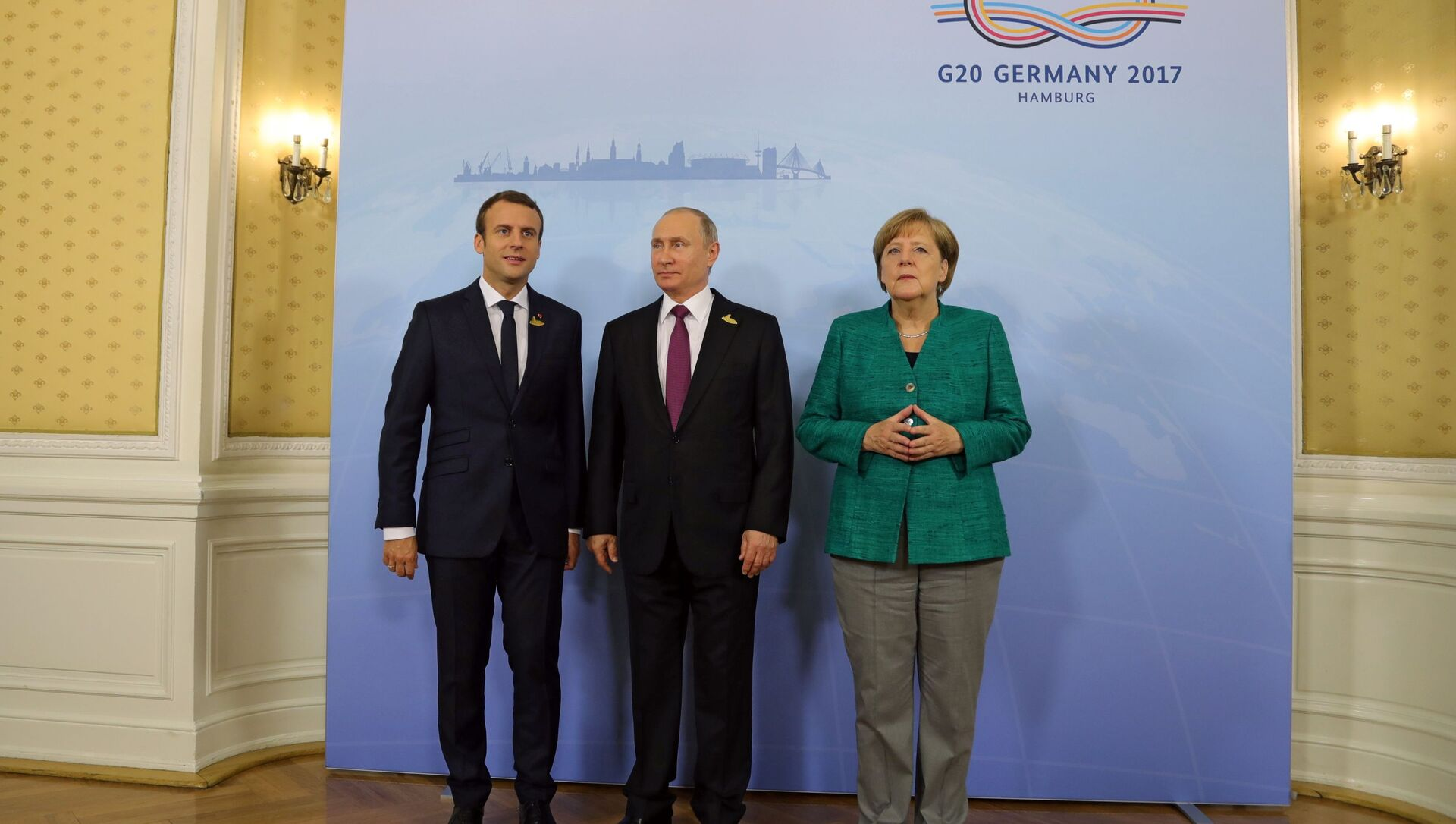 Vladimir Putin, Emmanuel Macron e Angela Merkel - Sputnik Italia, 1920, 29.03.2021