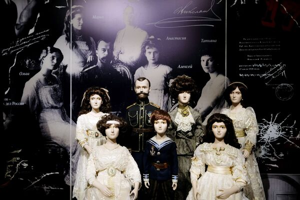 Le bambole della famiglia dell'imperatore russo Nicola II all'esposizione I monarchi russi. Le pagine della storia a Mosca - Sputnik Italia