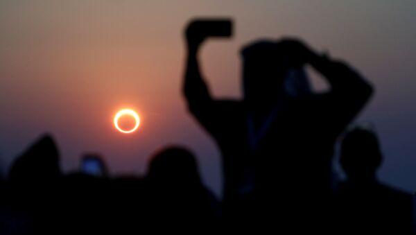 Eclissi solare vista dagli abitanti dell'Arabia Saudita. - Sputnik Italia