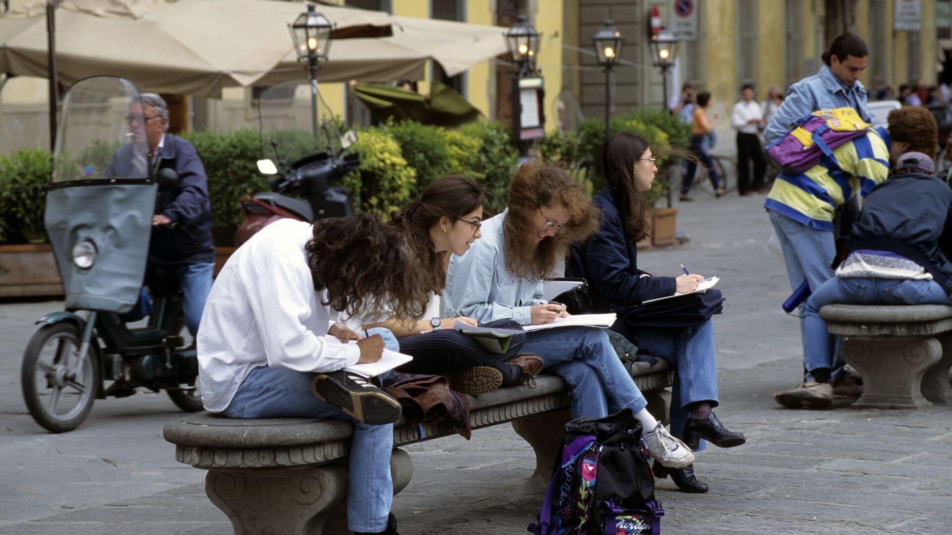 Studenti italiani - Sputnik Italia, 1920, 17.02.2021