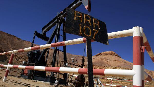 Estrazione di petrolio in Libia - Sputnik Italia