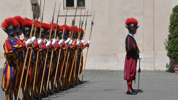 La Guardia svizzera pontificia  - Sputnik Italia