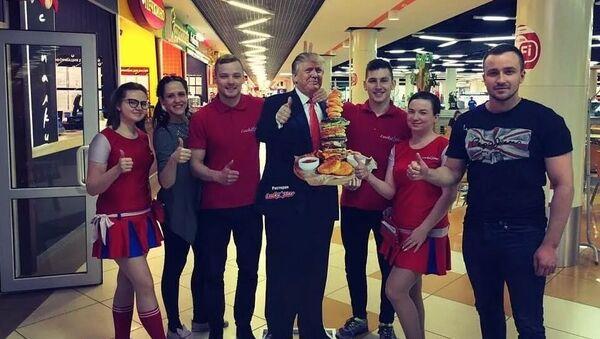 In Russia multato ristorante per una pubblicità con l'immagine di Trump - Sputnik Italia