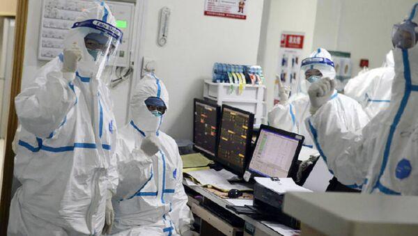 I medici dell'ospedale a Wuhan, Cina - Sputnik Italia