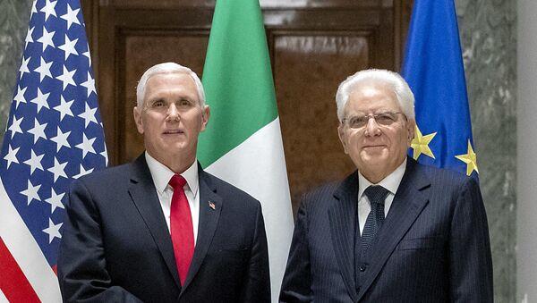 Il Presidente Sergio Mattarella con il Vice Presidente degli Stati Uniti d'America, S.E. Michael R. Pence - Sputnik Italia