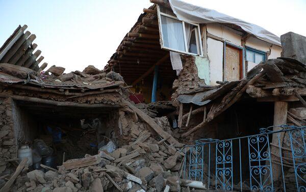 Un edificio crollato a Sivrice, nella provincia di Elazığ - Sputnik Italia