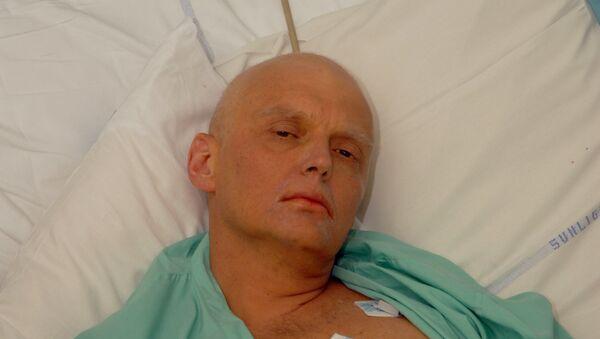 Alexander Litvinenko is pictured at the Intensive Care Unit of University College Hospital in London, England. (File) - Sputnik Italia