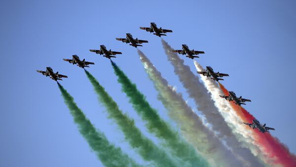 Members of the Italian Air Force, the 'Frecce Tricolori', perform with their Aermacchi MB-339 aircraft during the International Air Show at the Hungarian Air Force base in Kecskemet, southern Hungary - Sputnik Italia