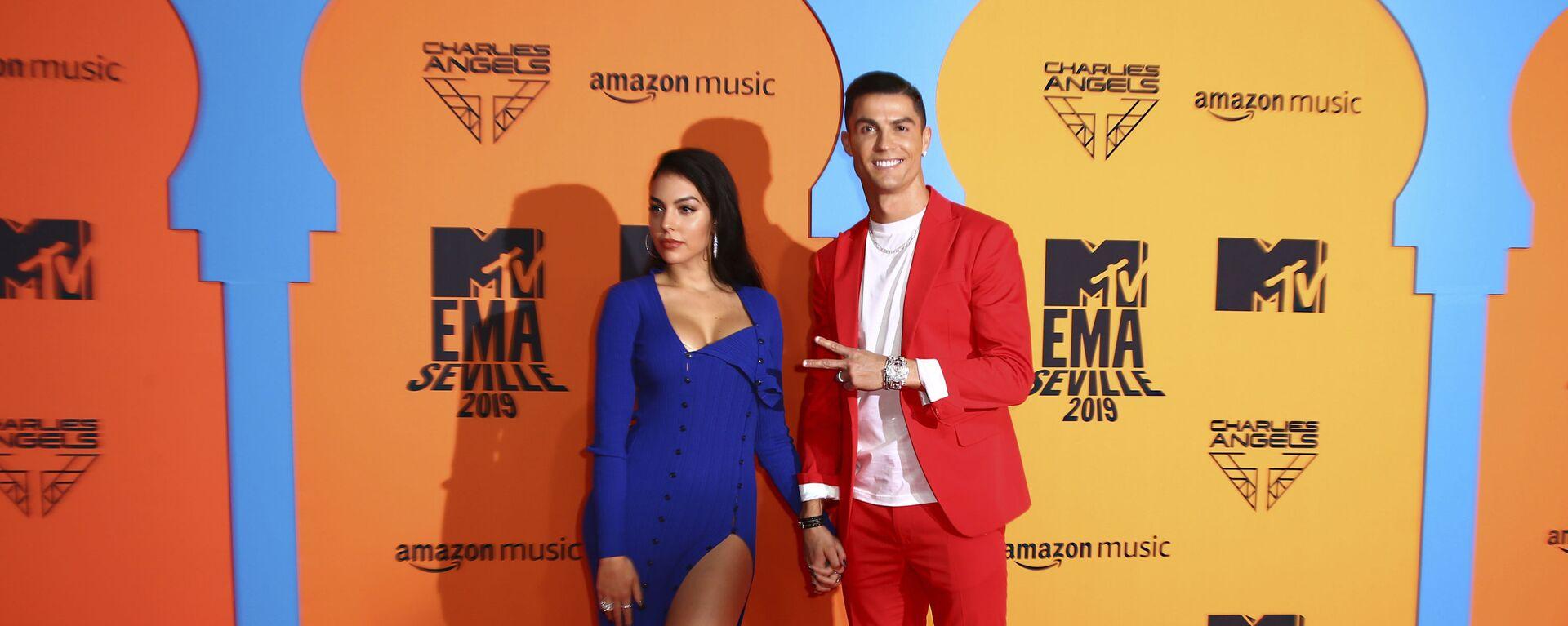 Cristiano Ronaldo e Georgina Rodriguez - Sputnik Italia, 1920, 07.07.2020
