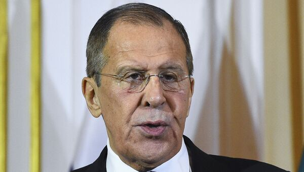 Russian Foreign Minister Sergey Lavrov attends a joint press conference with his Sri Lankan counterpart Dinesh Gunawardena (not pictured) in Colombo on January 14, 2020.  - Sputnik Italia