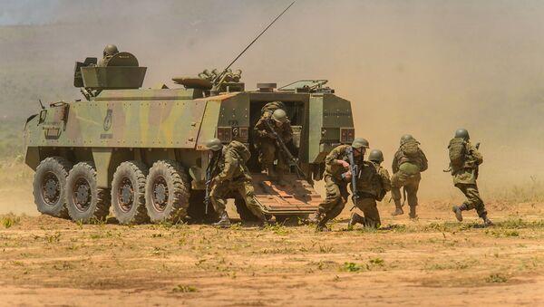 Esercito brasiliano durante operazione militare - Sputnik Italia