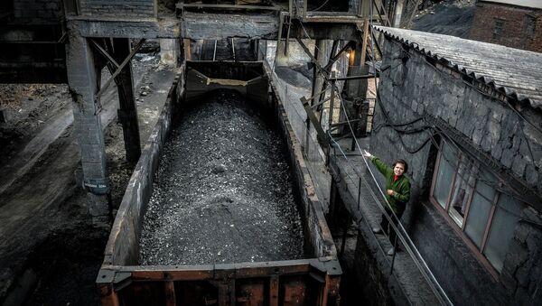 Miniera di carbone nel Donbass - Sputnik Italia