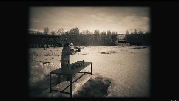 Non ci sono più quei bei fucili mitragliatori di una volta! La Kalashnikov testa lo Shpagin - Video - Sputnik Italia
