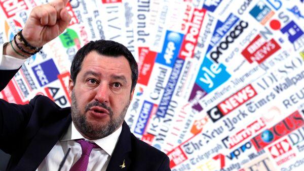 Matteo Salvini alla conferenza stampa presso la sede dell'Associazione della Stampa Estera in Italia - Sputnik Italia