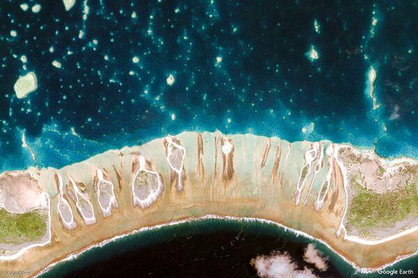 Vista dell'area intorno alle isole di Tuamotu e Gambier, Polinesia francese - Sputnik Italia