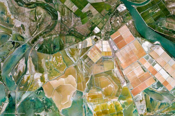 Arles Bouches-du-Rhône, Provenza-Alpi-Costa Azzurra, Francia - Sputnik Italia