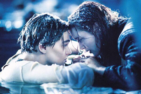 Kate Winslet e Leonardo DiCaprio nel film Titanic, 1997 - Sputnik Italia