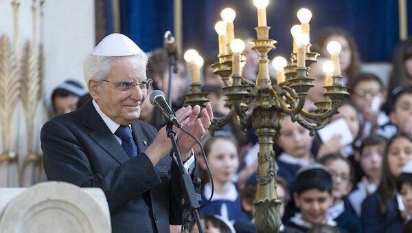 Il Presidente Sergio Mattarella in occasione dell'incontro al Tempio maggiore - Sputnik Italia