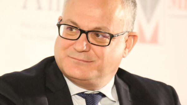 Il Ministro dell'economia e delle finanze Roberto Gualtieri - Sputnik Italia