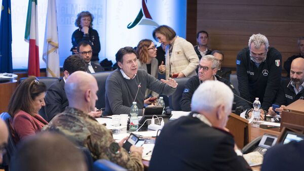 Il Presidente del Consiglio, Giuseppe Conte, presiede la riunione del Comitato operativo sul Coronavirus al Dipartimento della Protezione Civile. - Sputnik Italia