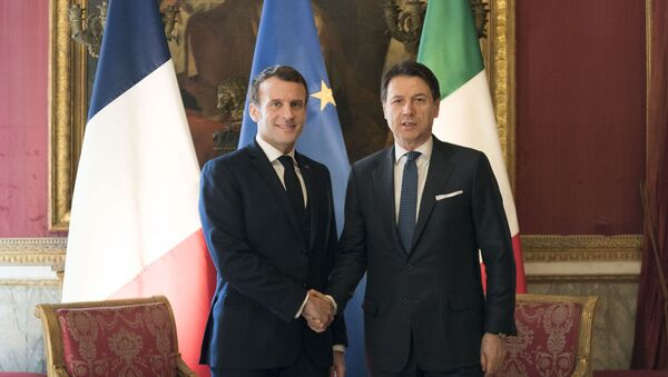 Il presidente francese Emmanuel Macron e il premier italiano Giuseppe Conte - Sputnik Italia